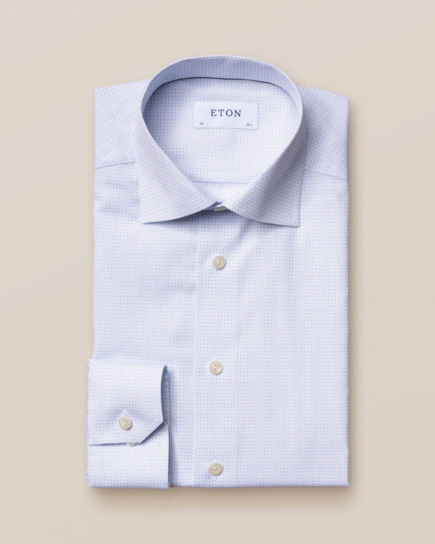Ljusblå skjorta med mikroprint