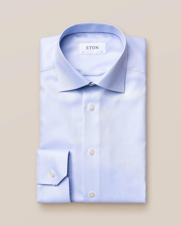 Ljusblå skjorta i texturerad twill