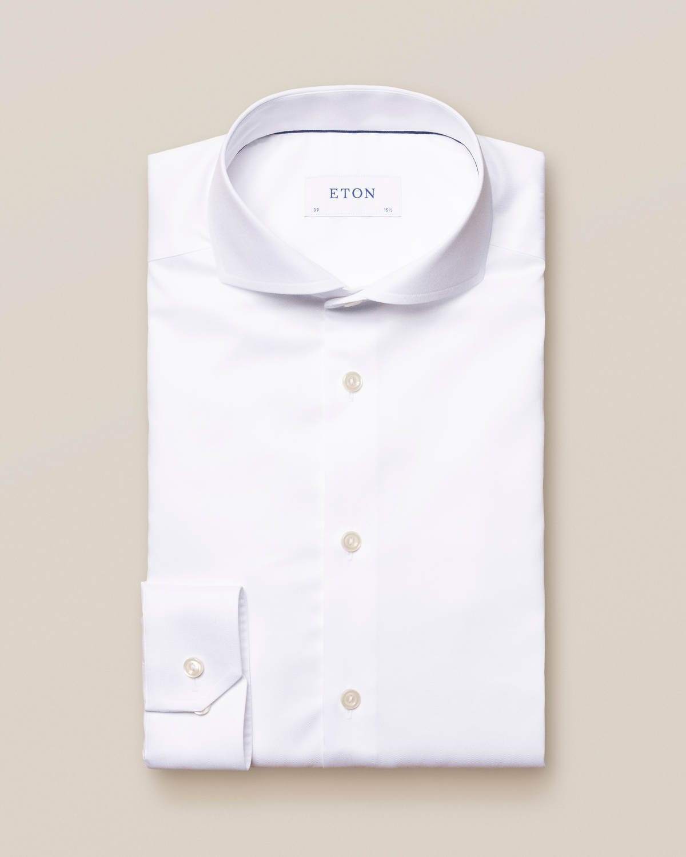 Vit skjorta i twill med stretch och extreme cut away-krage