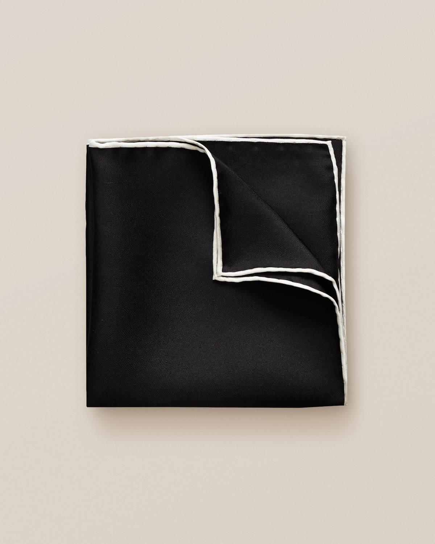 Svart näsduk med kvadrater