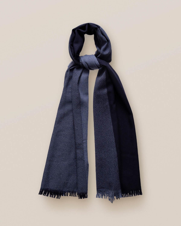 Blå ullscarf med fransar