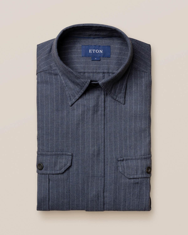 Blå kritstrecksrandig överskjorta i fyrficksmodell