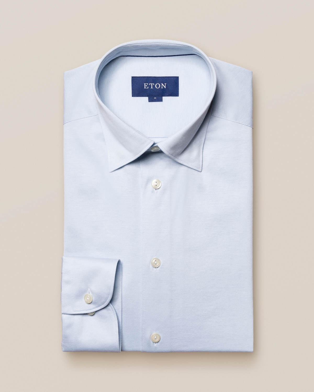Ljusblå jerseyskjorta