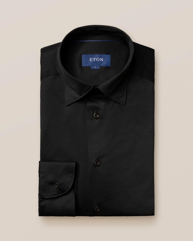 Svart jerseyskjorta