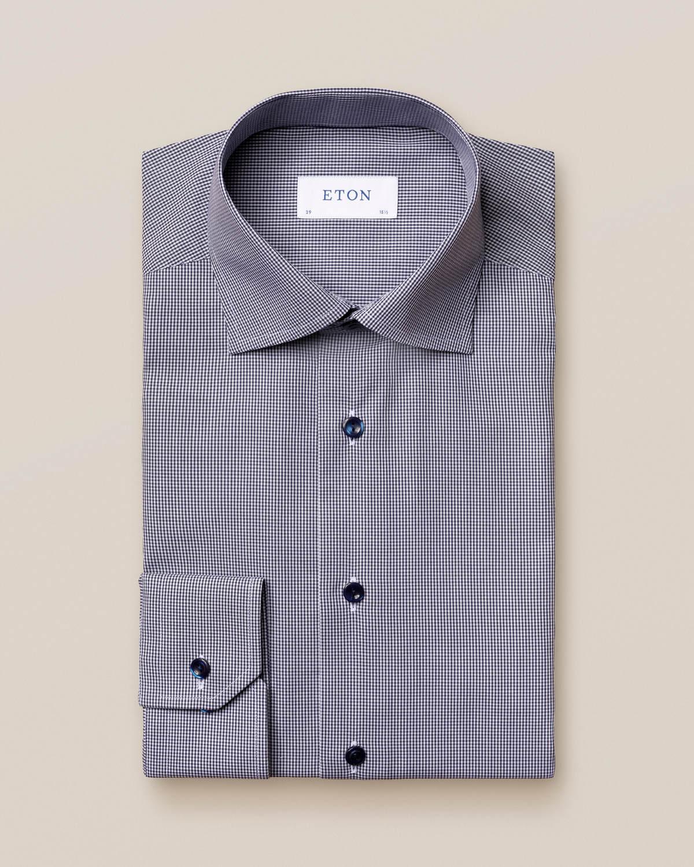 Mörkblå poplinskjorta med gingham-mönster