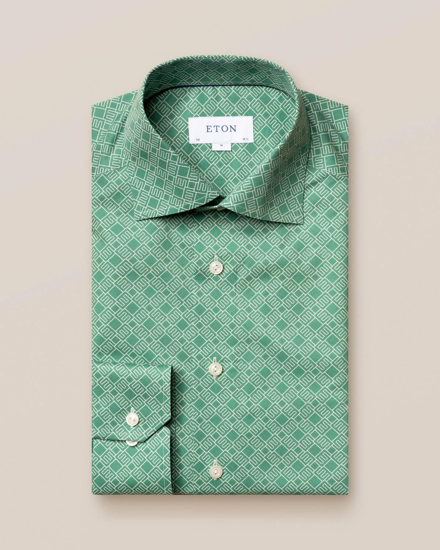 Grön skjorta med dubbelmonogram