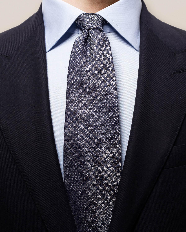 Marinblå slips i linne och siden med sicksack-möns