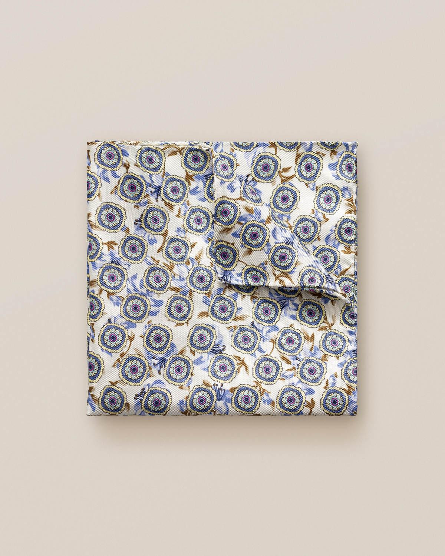 Blå och beige näsduk med blommor