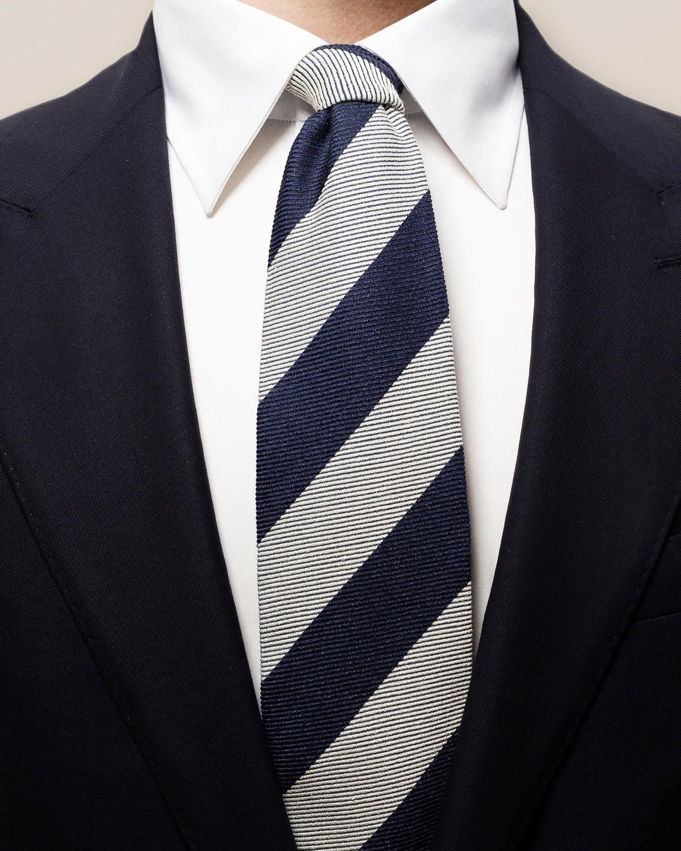 Grå och blå bredrandig slips