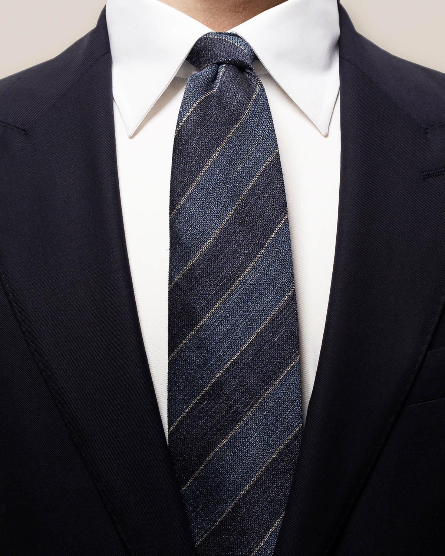 Marinblårandig slips i blandmaterial