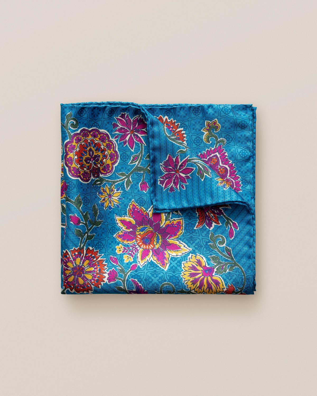 Blå sidennäsduk med blommönster
