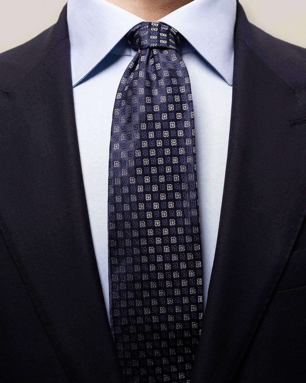Marinblå- och silverfärgad slips med blommor