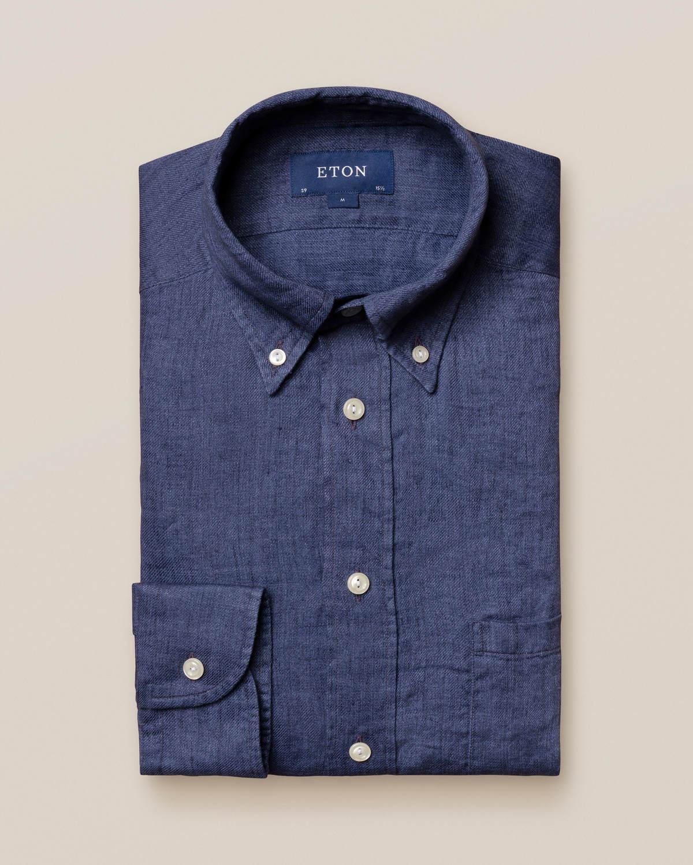 Marinblå skjorta i finaste linne