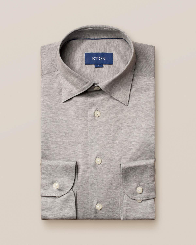 Ljusgrå jerseyskjorta