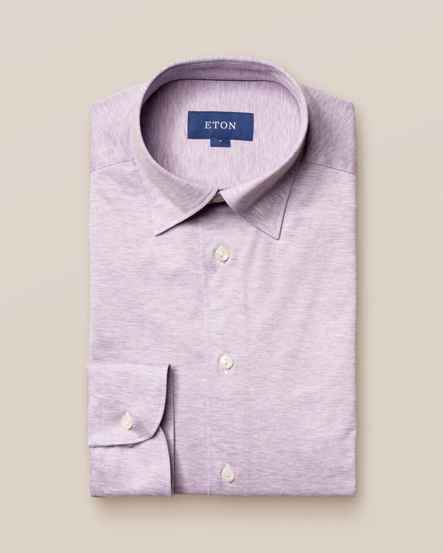Lila jerseyskjorta