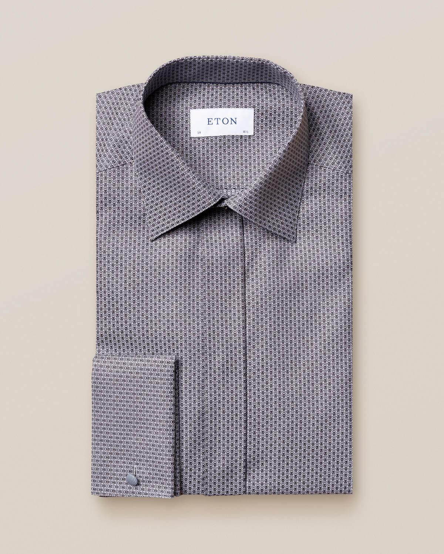 Smokingskjorta med döskallemotiv