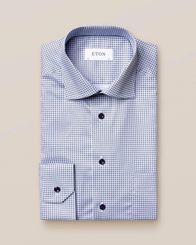 Blå småblommig skjorta