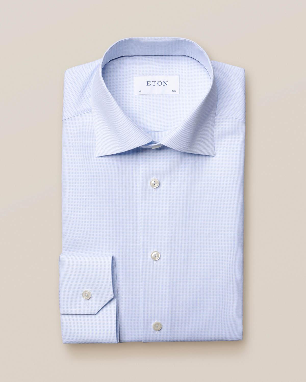 Ljusblå mikrovävd skjorta
