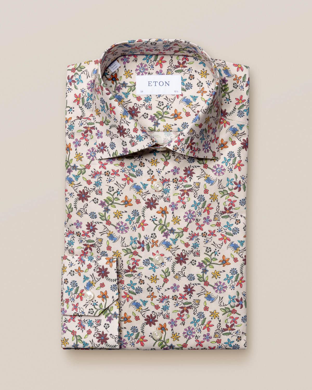 Beige skjorta med blommande dal
