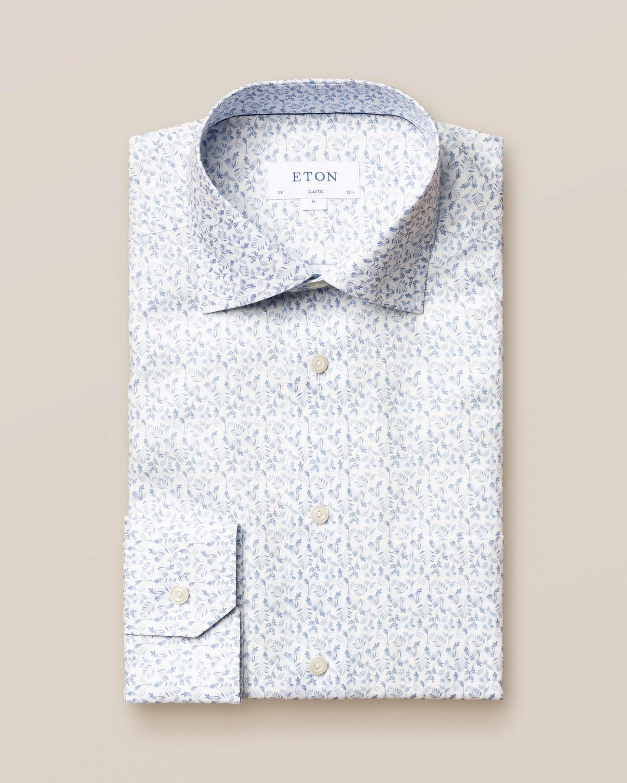Vit flanellskjorta med blommönster