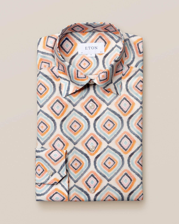 Retroskjorta med geometriskt mönster