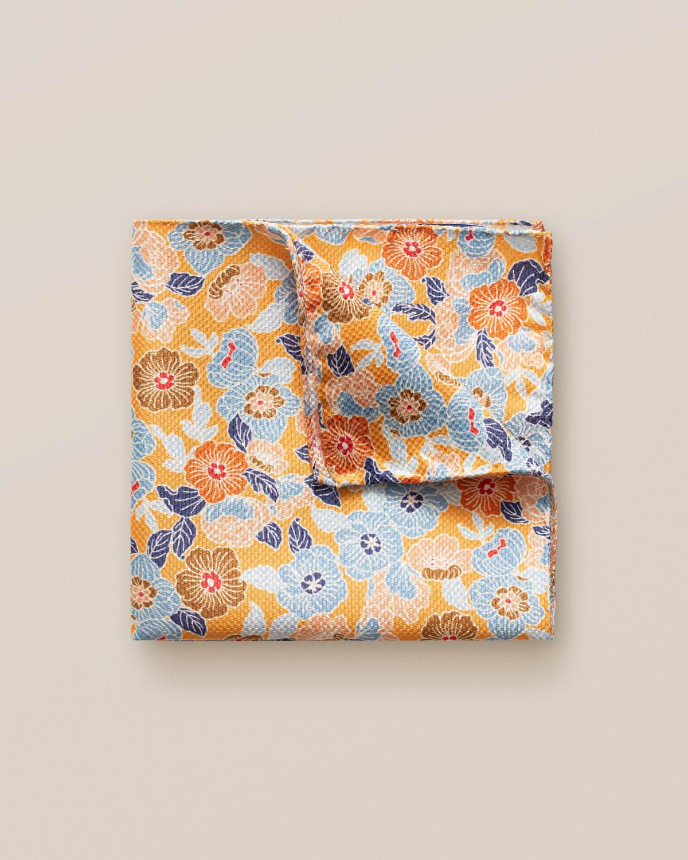Orange näsduk med blommönster i retrostil