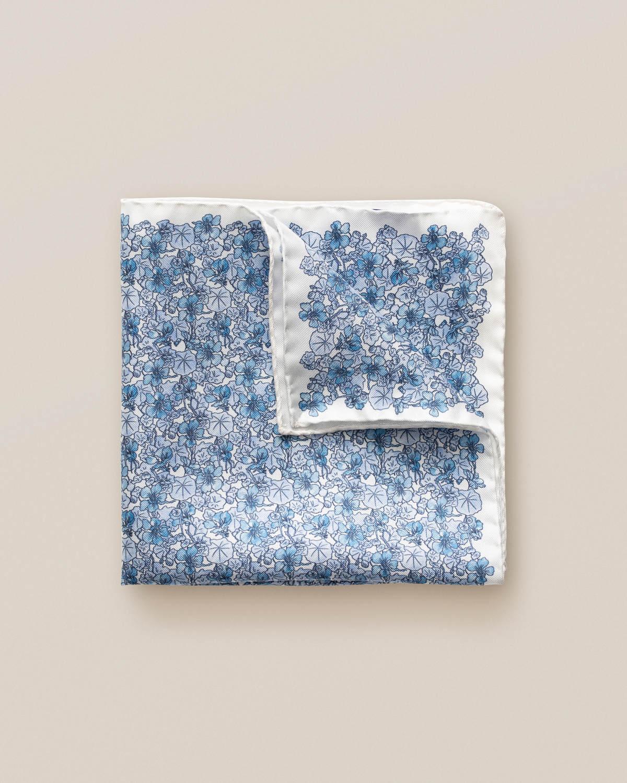 Blå näsduk med blommönster