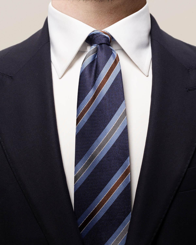 Blå-, grå- och brunrandig sidenslips