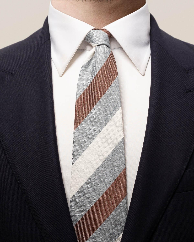 Grårandig slips i linne, siden och bomull