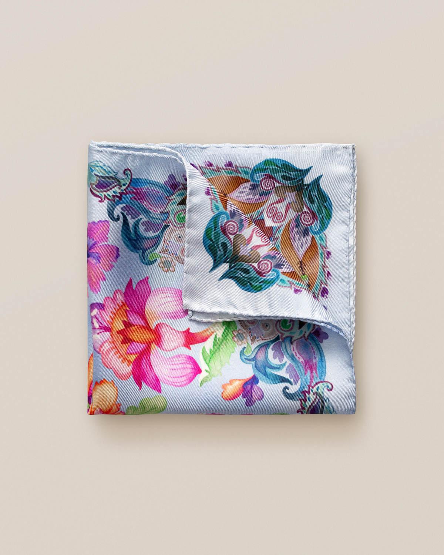 Blå näsduk med blommor