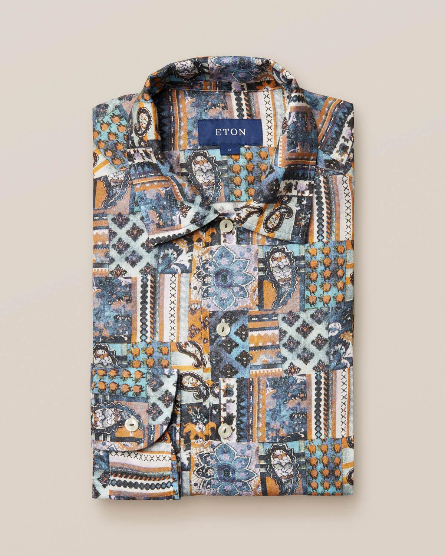 Linneskjorta med lapptäcksmönster