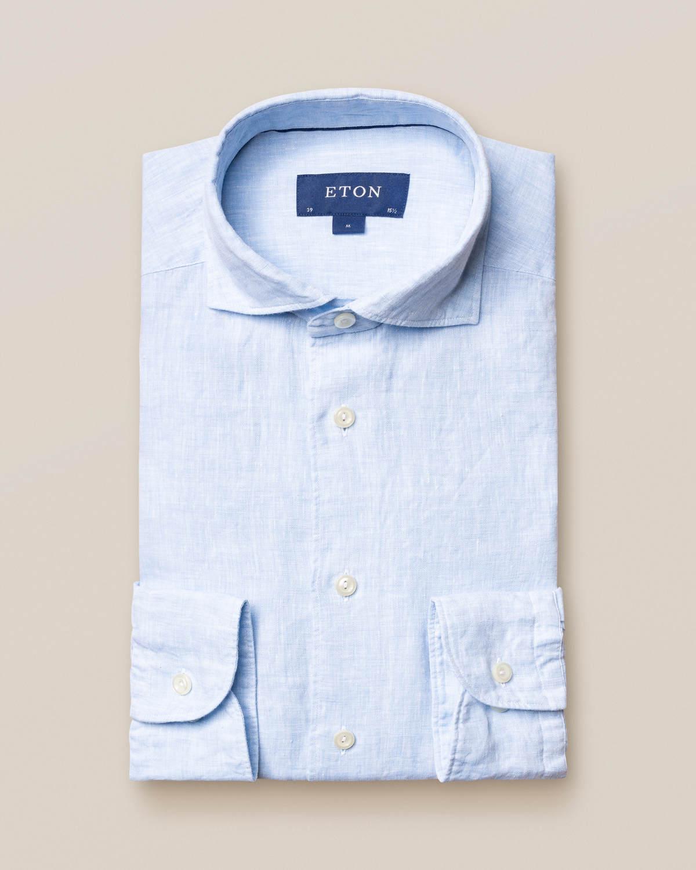 Blå linneskjorta