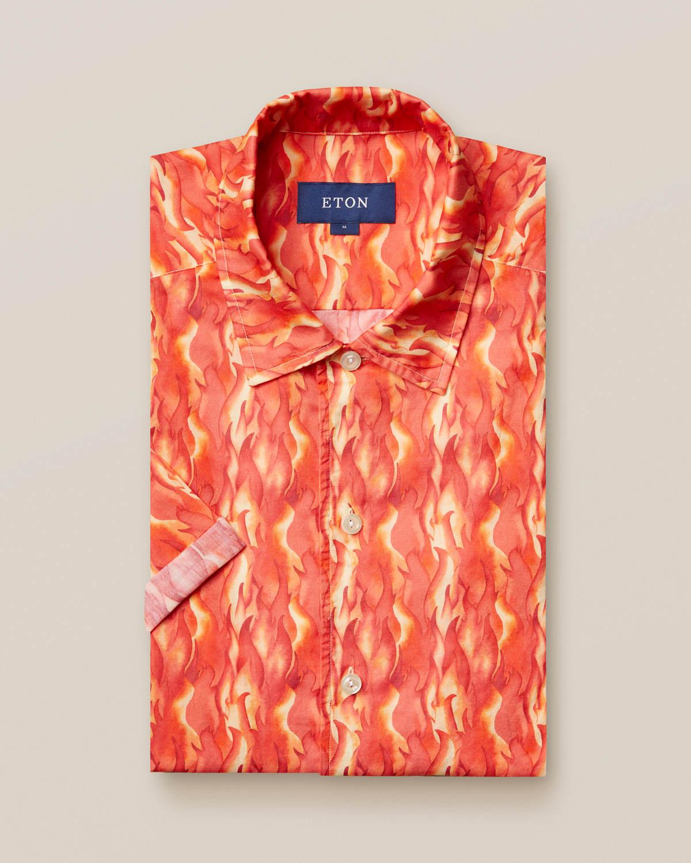 Resortskjorta med flames