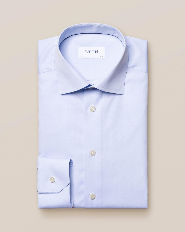 Ljusblå poplinskjorta